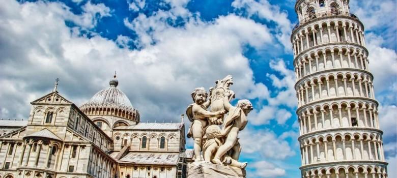 Urocza krzywa Wieża w Pizie to jedna z ciekawszych włoskich budowli