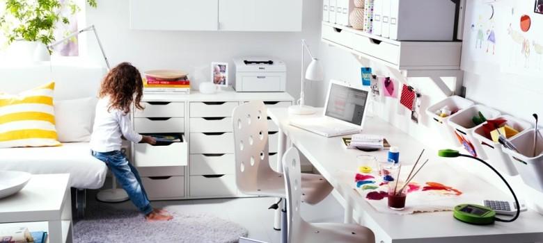 Nowy pokój dla uczennicy, biały i funkcjonalny