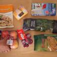 Wszystkie produkty żywnościowe zapakowane w jednorazowe opakowania to większy wydatek i więcej śmieci w środowisku naturalnym