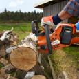 Pilarka spalinowa to urządzenie, z którym bez problemu przygotujemy drewno kominkowe na sezon grzewczy