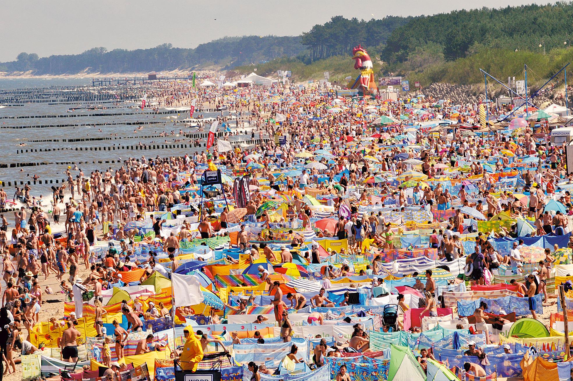 Tak wygląda plaża w Mielnie, w środku sezonu urlopowego