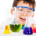 Eksperymenty przeprowadzane w domu to nie tylko świetna zabawa, ale również możliwość zdobycia wiedzy z fizyki i chemii