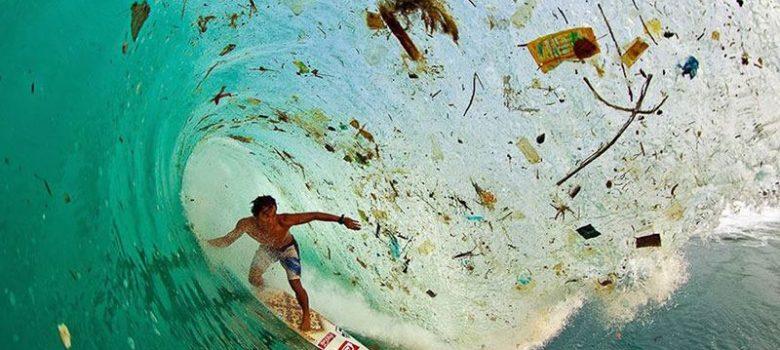 Surfowanie wśród fal? Czy surfowanie wśród śmieci? Już wkrótce nie będziemy mieli wyboru!